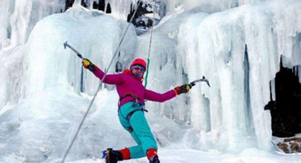 На Сахалине прошёл фестиваль по ледолазанию по замерзшим водопадам