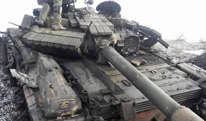 Военный туризм: как удержать российских туристов от поездок за границу с помощью танков и автоматов