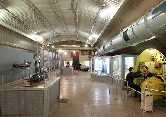 В подземном музейном комплексе Черноморского флота открылась выставка, посвященная героям-подводникам